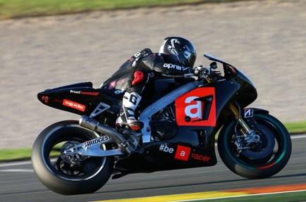 melandri resmi perkuat Aprilia di MotoGP 2015