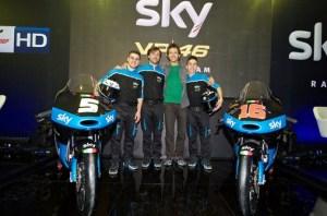 rossi presentasikan tim moto3 untuk musim 2015