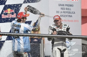 crutchlow and rossi celebrate in podium gp argentina 2015
